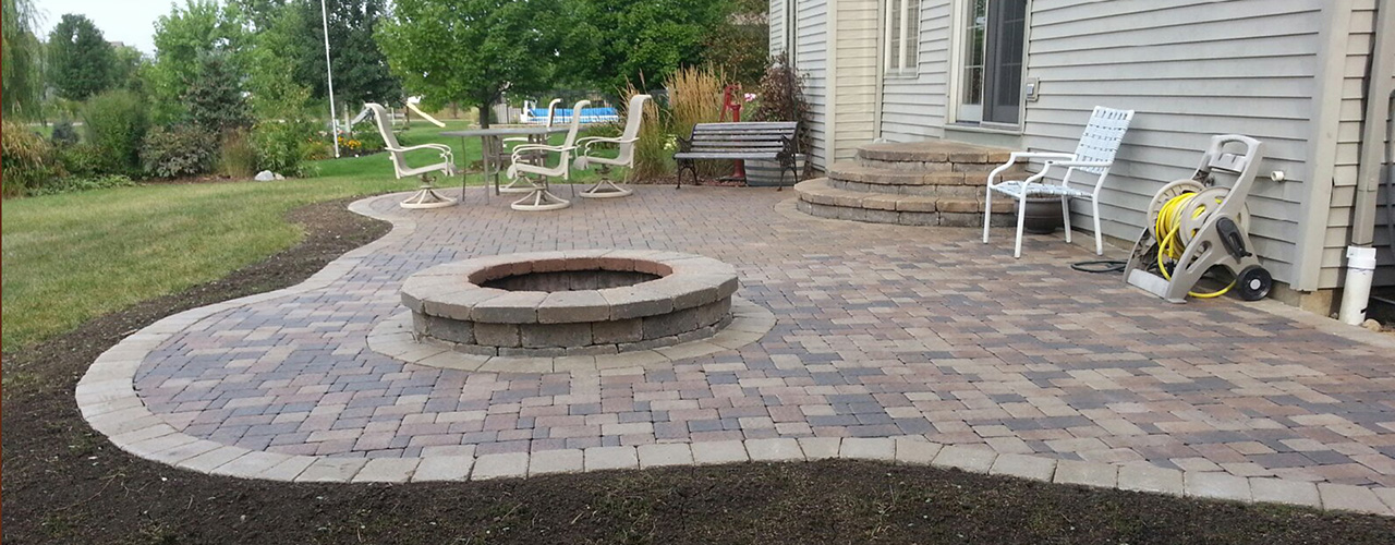 How much does it cost to build a paver patio for Brick house cost to build
