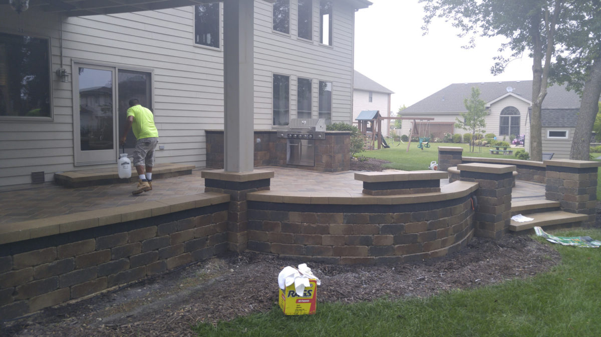 Paver Patio Fire Pit Retaining Walls Outdoor Kitchen